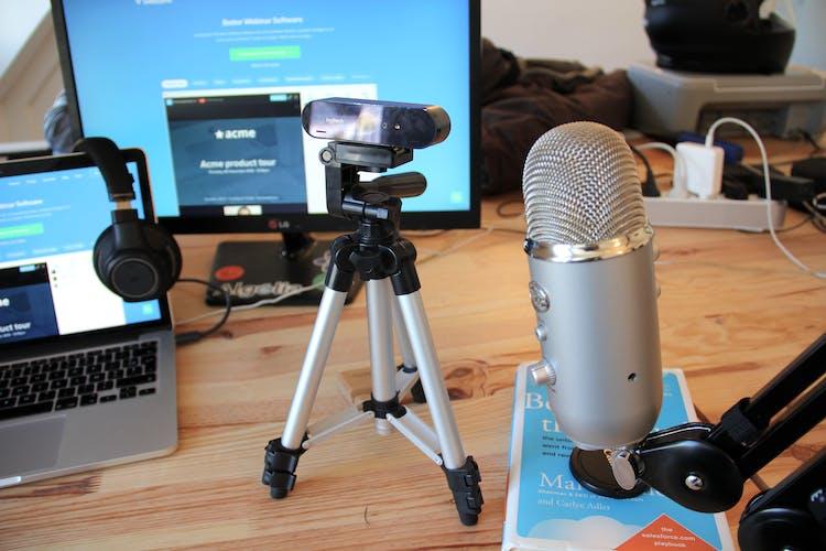 webinar set webcam and microphone