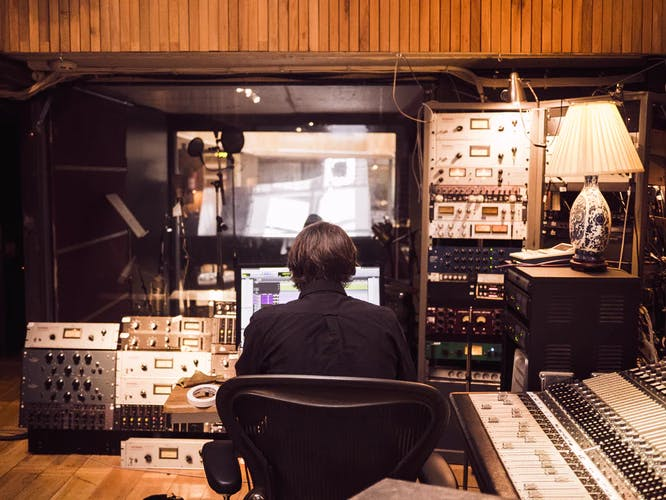 1557221387 recording studio