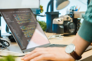 How to Create a Webinar: The Perfect Webinar Setup