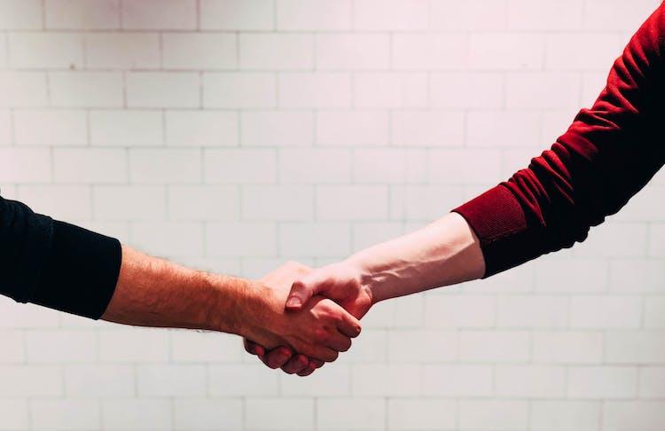 1571997612 handshake
