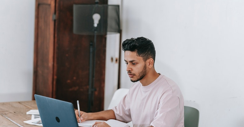 How to Write an Effective Team Meeting Agenda